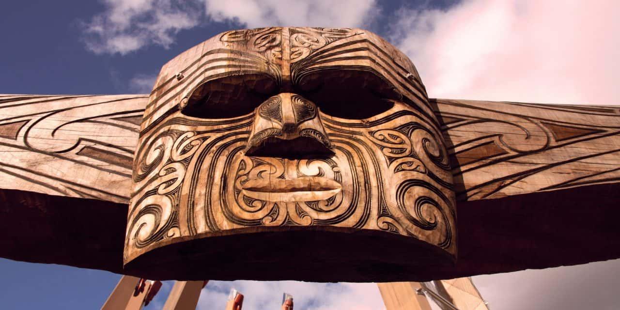 https://mytravelxp.com/wp-content/uploads/2021/04/new-zealand-maori-carving-tupungato-istock-478720136-2048x1365web-1280x640.jpg