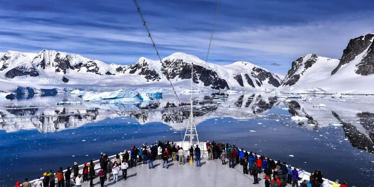 https://mytravelxp.com/wp-content/uploads/2021/06/antarctica-cruise-cg-Frans-Van-Heerden-2048x1366-1-1280x640.jpg